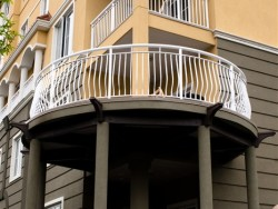 Curved Double-top Rails with Basket Spindles