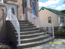 Iron Step Railing (Paradise Design)