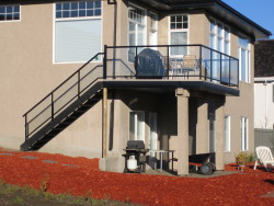 Straight Staircase with Aluminum Glass Railing